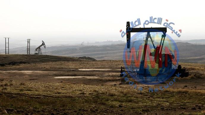 روسيا: النفط السوري ينقل إلى خارج البلاد تحت حراسة الأميركان