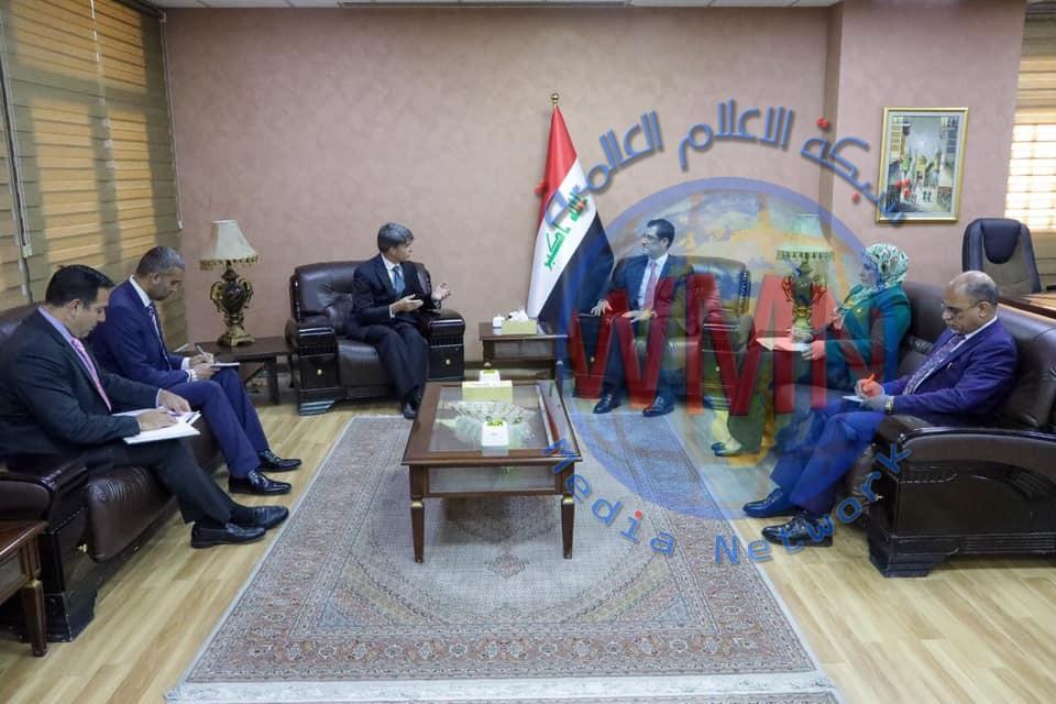 وزير التخطيط يستقبل نائب رئيس البعثة الأمريكية في العراق