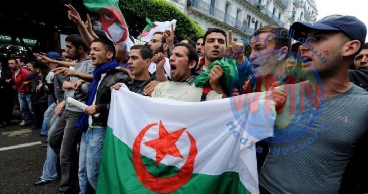تواصل التظاهرات في الجزائر لإلغاء الانتخابات الرئاسية