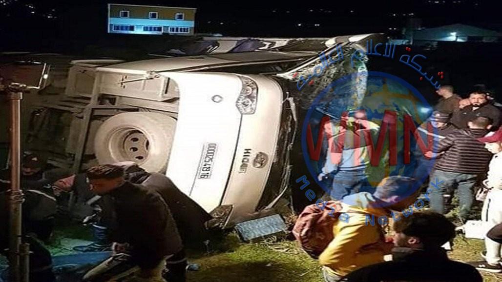 مصرع وإصابة 41 شخصاً بانقلاب حافلة ركاب شرق الجزائر