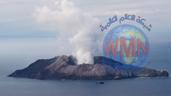بركان نيوزيلندا يأخذ 4 مجموعات سياحية على حين غرة