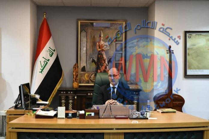 وزير الثقافة يوجه بتنفيذ تماثيل برونزية لخمسة مبدعين عراقيين