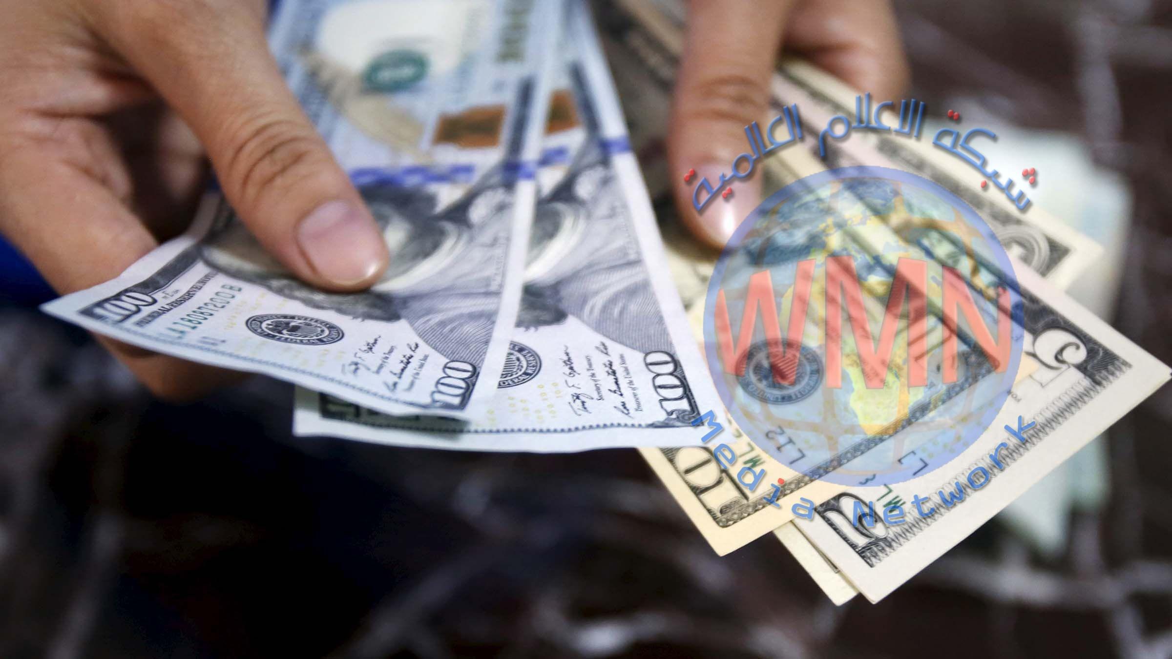 انخفاض أسعار صرف الدولار في السوق العراقية