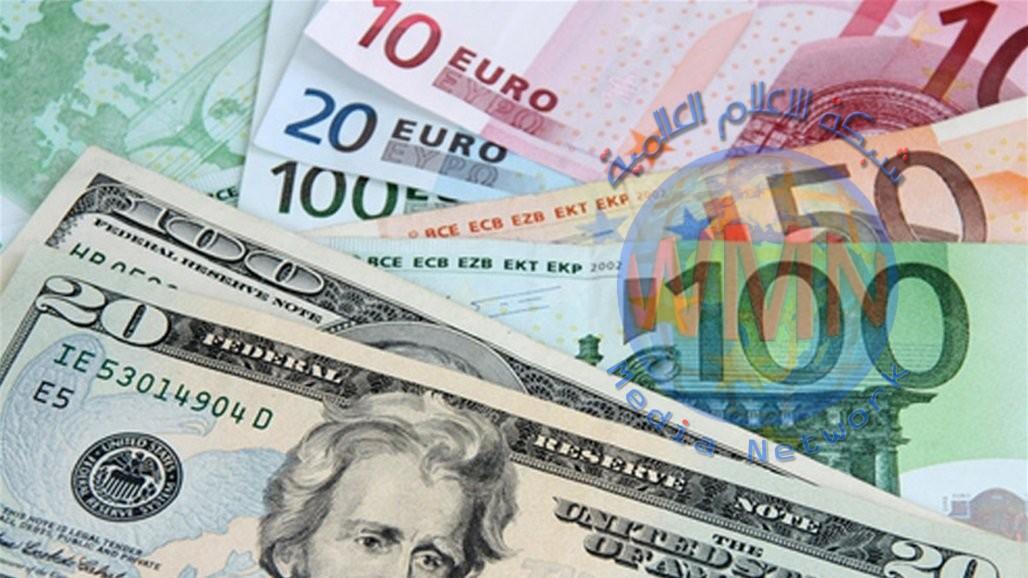 اليورو يبلغ أدنى مستوى في أسبوع مع تقدم الدولار