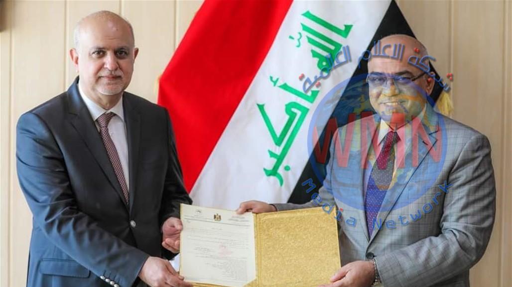 وزير التعليم يكلف الشاوي رئيسا لجامعة النهرين