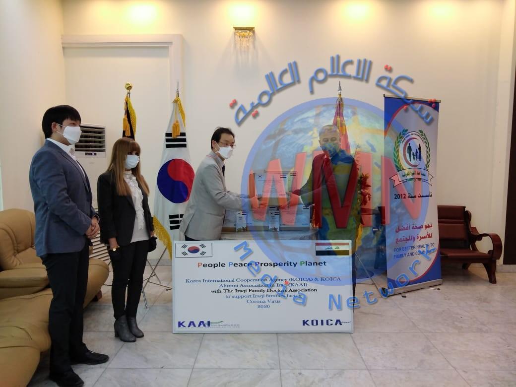 لمواجهة جائحة كورونا في العراق…… وكالة التعاون الدولي الكورية ( كويكا ) توزع (150) صندوقا من المعقمات والكمامات وقفازات الوقاية