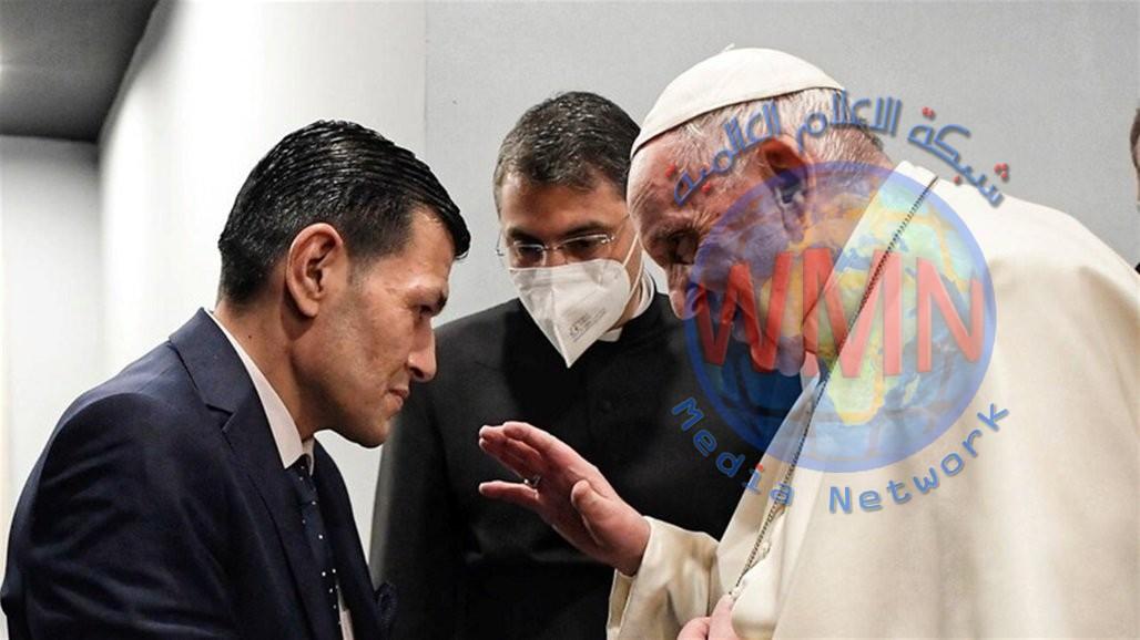 """البابا يلتقي بوالد """"الطفل الغريق"""" إيلان كردي"""