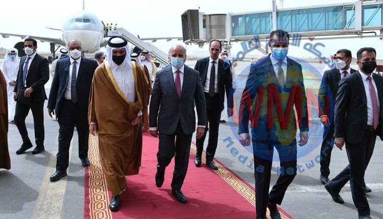وزير الخارجيّة يستقبل نائب رئيس الوزراء وزير الخارجيّة القطريّ في مطار بغداد الدوليّ