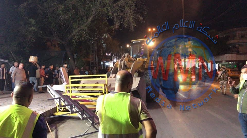 """بالصور…امانة بغداد مستمرة بحملة """"عبير بغداد"""" لازاله التجاوزات في منطقة الاعظمية"""